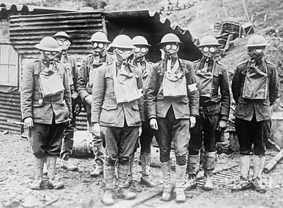 Infantryman Photograph - Wwi, Gas Masks by Science Source