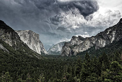 Photograph - Yosemite Valley by L O C