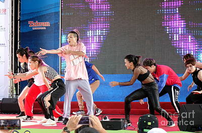 Photograph - Young People Perform A Modern Dance by Yali Shi