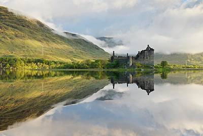 Photograph - Kilchurn Castle by Stephen Taylor