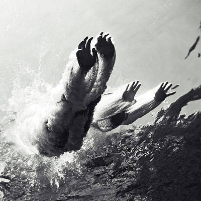 Swim Photograph - 100821-8868 by Enric Gener