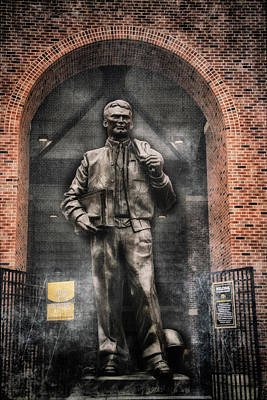 Photograph - 10726 Kinnick Statue by Pamela Williams