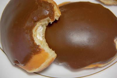 Photograph - 10977 Chocolate Donut by Pamela Williams