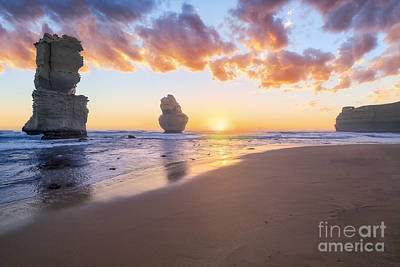 Photograph - 12 Apostles With Marshmallow Skies by Ray Warren