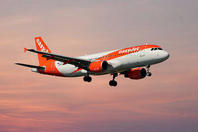 Photograph - Easyjet Airbus A319-111 by Smart Aviation