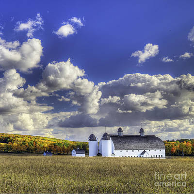 Sleeping Photograph - Dh Day Farm by Twenty Two North Photography