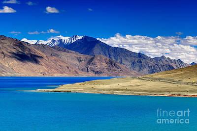 Mountains Pangong Tso Lake Leh Ladakh Jammu And Kashmir India Art Print
