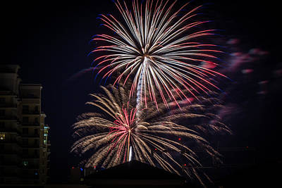 Photograph - Fireworks 2015 Sarasota 22 by Richard Goldman