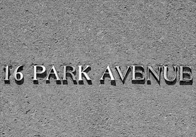 16 Park Avenue Print by Robert Ullmann