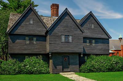 Photograph - 1642 Jonathon Corwin House  -  1642jonathoncorwinhousesalemmass185098 by Frank J Benz