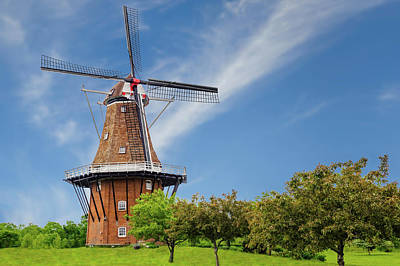 Photograph - 1761 Dutch Windmill  -  1761windmill171592 by Frank J Benz