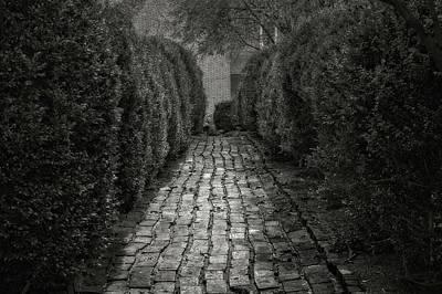 Photograph - 1796 Liberty Hall Pathway To Garden  -  1796libertyhallgardenpathblkwhi137032 by Frank J Benz
