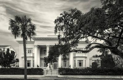 Photograph - 1895 Villa Margherita - Charleston - 2 by Frank J Benz