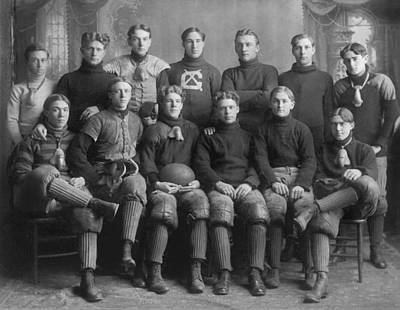 High School Sports Photograph - 1904 Football Team by Underwood Archives
