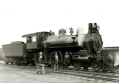 Photograph - 1905 Rail Engineers And Engine 1134 by Historic Image