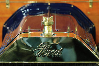 1911 Ford Model T Runabout Hood Ornament Art Print