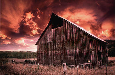 Photograph - 1912 Historic Barn by Tyra OBryant