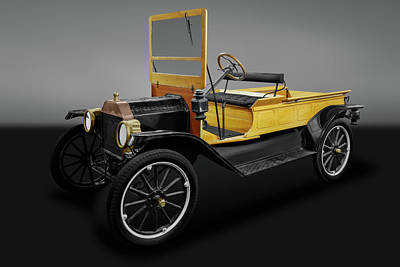 Photograph - 1913 Ford Model T Pickup Truck  - 1913mdltfordpickupgry171942 by Frank J Benz