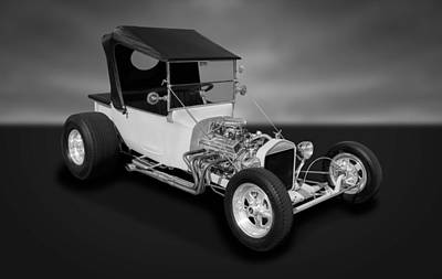 Photograph - 1923 Ford T-bucket  -  Fdtbbw33 by Frank J Benz