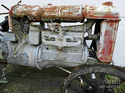Photograph - 1923 Fordson Tractor Engine by D Hackett