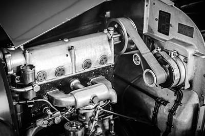 Bugatti Vintage Car Photograph - 1925 Bugatti Brescia Type 23 Roadster Engine -0583bw by Jill Reger