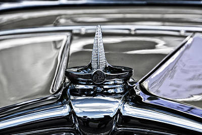 Photograph - 1929 Stutz Black Hawk Radiator Cap by Mike Martin