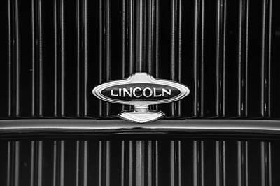 Photograph - 1932 Lincoln Kb Boattail Speedster Grille Emblem -1685bw by Jill Reger