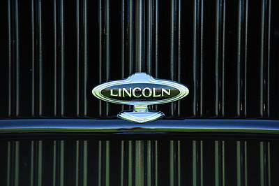 Lincoln Photograph - 1932 Lincoln Kb Boattail Speedster Grille Emblem -1685c by Jill Reger