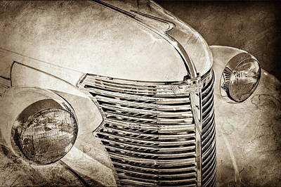 Photograph - 1933 Chevrolet Grille -0353s by Jill Reger