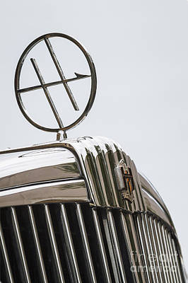 Photograph - 1933 Hupmobile Hood Ornament by Dennis Hedberg