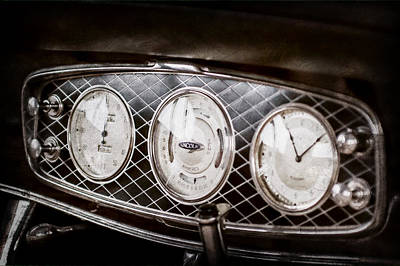 Lincoln Images Photograph - 1933 Lincoln Kb Judkins Coupe Dashboard Instrument Panel -0159ac by Jill Reger