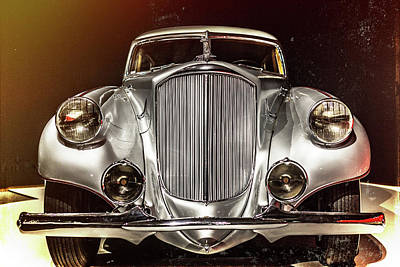 Photograph - 1933 Pierce-arrow Silver Arrow Front View by Wade Brooks