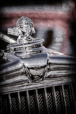 1933 Stutz Sv-16 Five-passenger Sedan Hood Ornament -1050ac Art Print