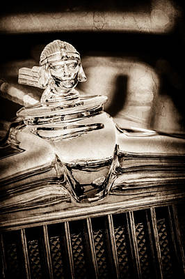1933 Stutz Sv-16 Five-passenger Sedan Hood Ornament -1050s Art Print