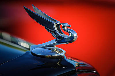 Photograph - 1935 Chevrolet Sedan Hood Ornament -0116c by Jill Reger