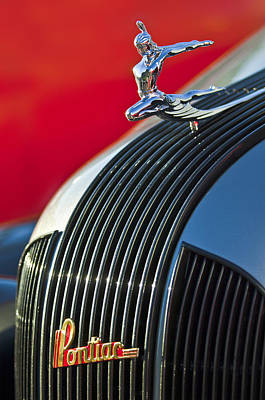 Historic Vehicle Photograph - 1935 Pontiac Sedan Hood Ornament by Jill Reger