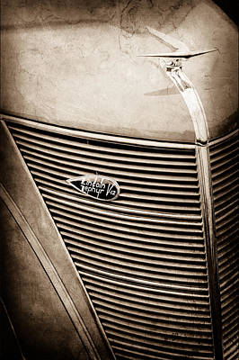 Lincoln Photograph - 1937 Lincoln-zephyr Coupe Sedan Grille Emblem - Hood Ornament -0100s by Jill Reger
