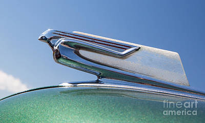 Photograph - 1940 Chevrolet Hood Ornament by Kevin McCarthy
