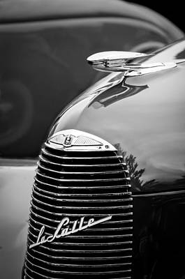 Photograph - 1940 Lasalle Series 52 Grille Emblem - Hood Ornament -2312bw by Jill Reger