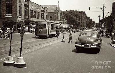 Photograph - 1940's Inwood Trolley by Cole Thompson