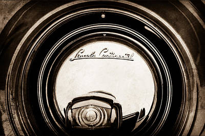 Lincoln Photograph - 1941 Lincoln Continental Spare Tire Emblem - 1963s by Jill Reger
