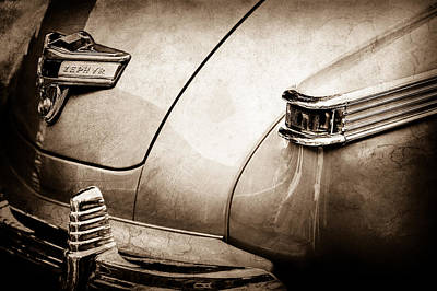 Lincoln Images Photograph - 1942 Lincoln Zephyr Coupe Taillight Emblem -1516s by Jill Reger