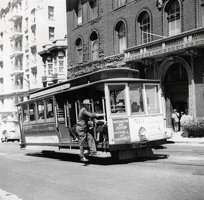Photograph - 1948 San Francisco Cable Car 513 by Historic Image