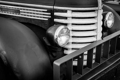 Photograph - 1949 Diamond T Tow Truck Bw C189 by Rich Franco