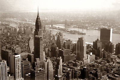 Photograph - 1950 View Of Chrysler Building Ny by Marilyn Hunt