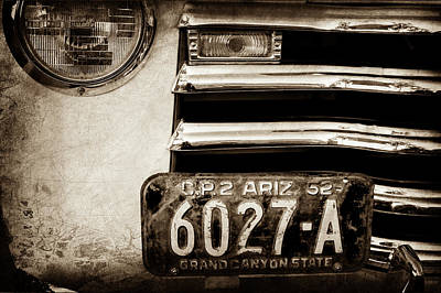 Photograph - 1952 Chevrolet Grille -0235s by Jill Reger