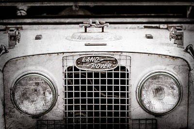 Land Rover Photograph - 1952 Land Rover 80 Grille -0988ac1 by Jill Reger