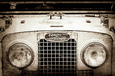 Land Rover Photograph - 1952 Land Rover 80 Grille -0988s1 by Jill Reger
