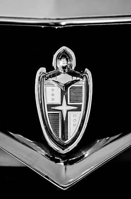 Lincoln Photograph - 1953 Lincoln Capri Emblem -1067bw by Jill Reger