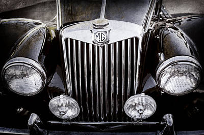 Photograph - 1954 Mg Tf Grille Emblem -0165ac by Jill Reger